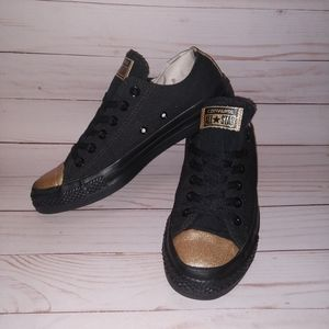 CONVERSE BLACK AND GOLD - UNISEX -M6 W8